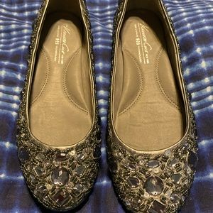 Kenneth Cole sparkly silver flats size 6 1/2